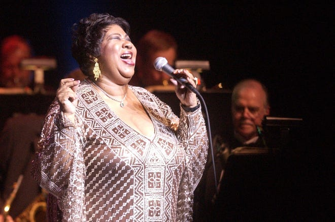 Aretha Franklin performs in front of an audience at the Peace Center in downtown Greenville on Tuesday, April 18, 2006.