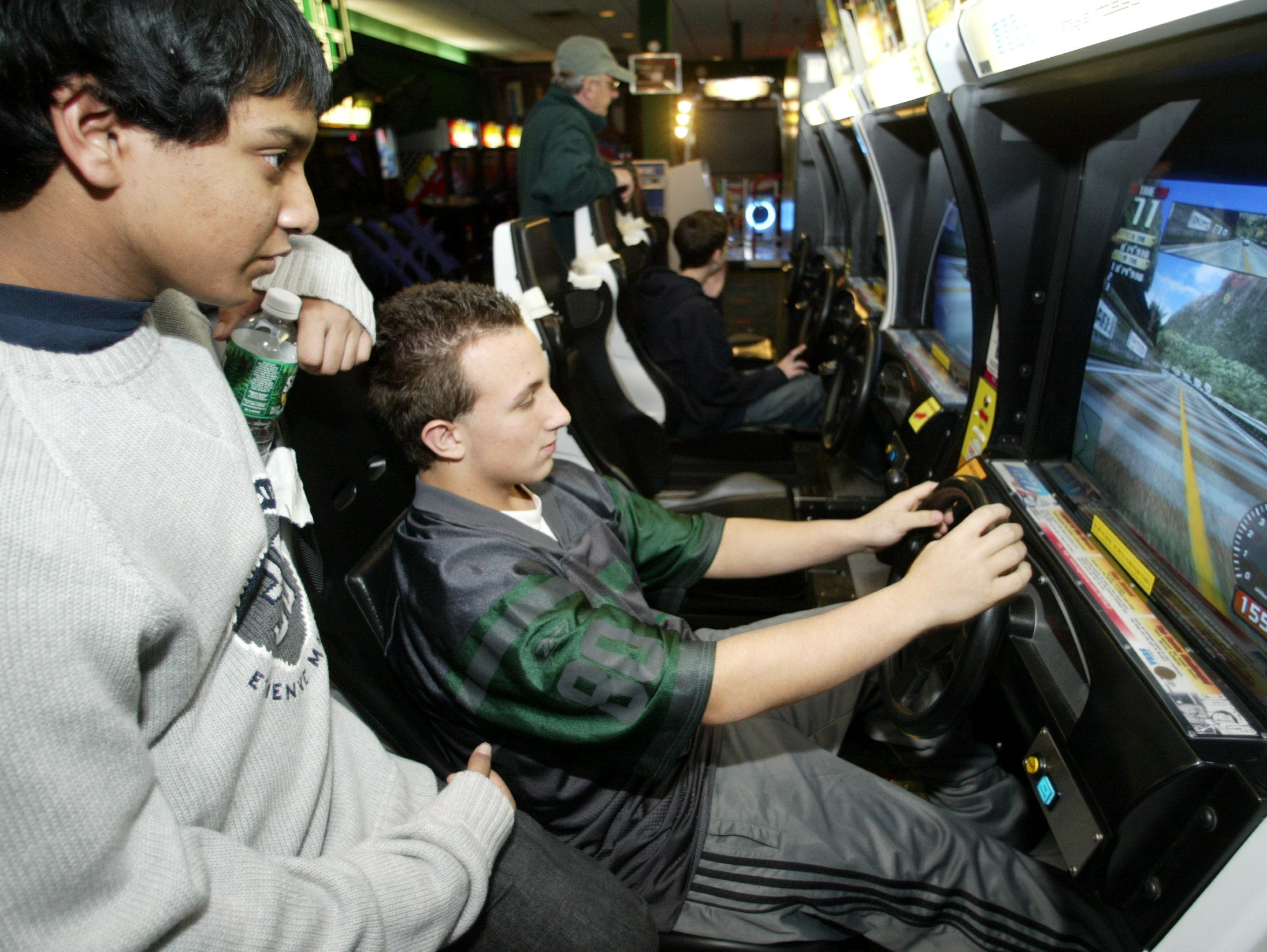 The Fun n' Games Arcade  at the Willowbrook Mall on December 20, 2003.