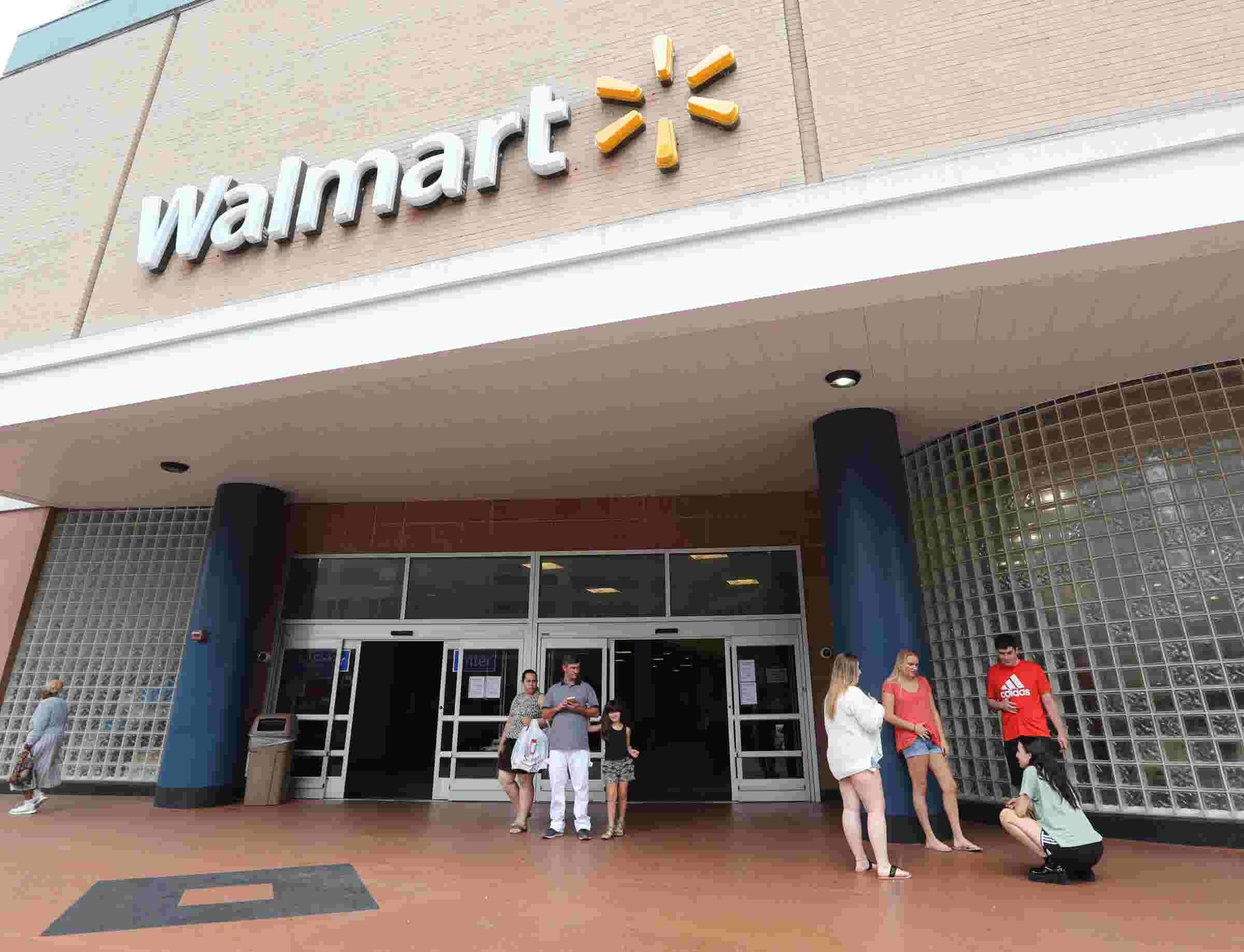 Video Locals Reacts To Walmart Closure In White Plains