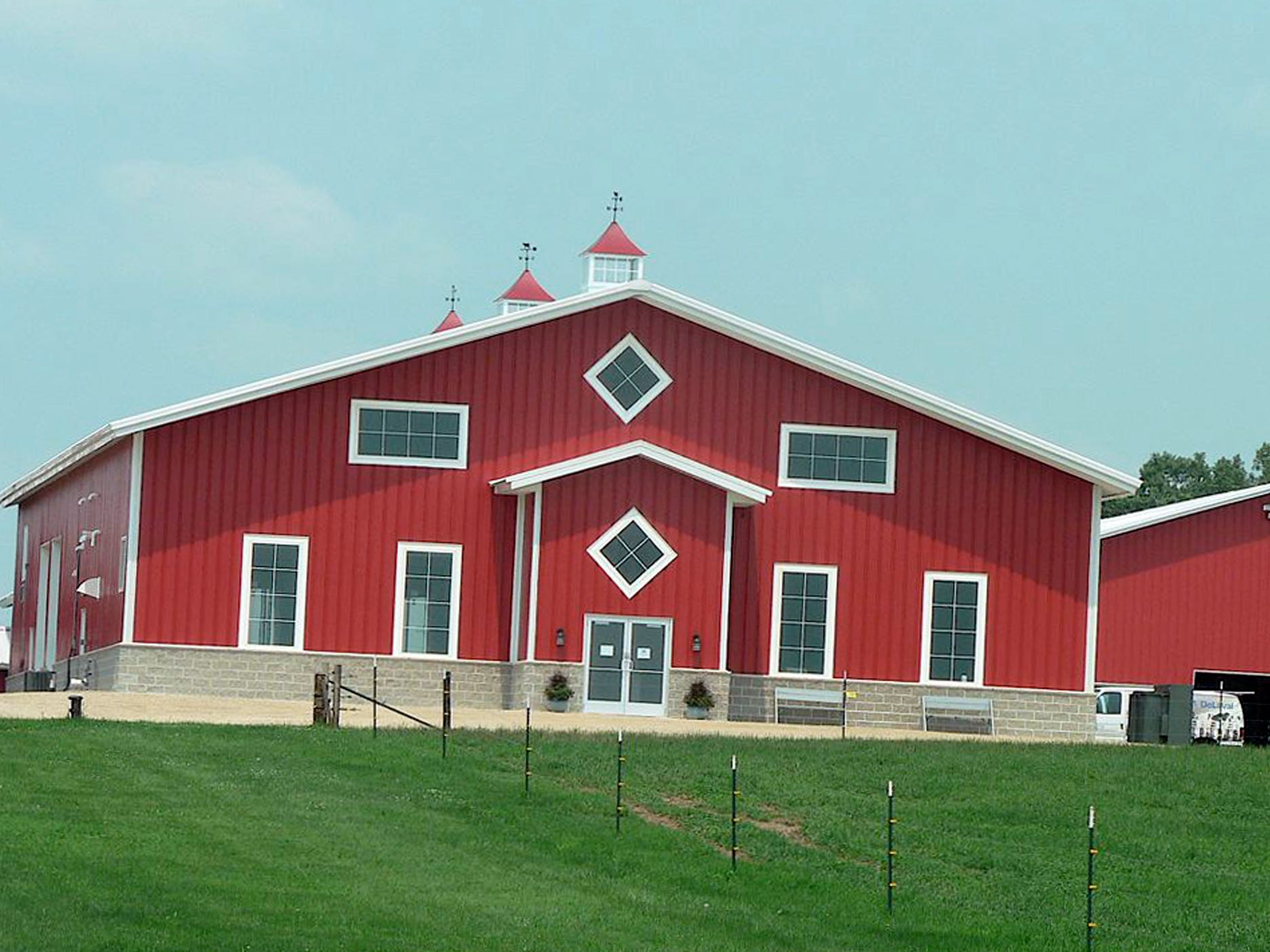 The milking parlor at the 600 cow traditional dairy is surrounded by freestalls.