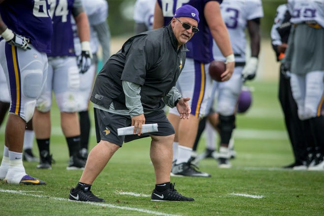 Minnesota Vikings offensive line coach Tony Sparano instructs his team in drills at training camp at Minnesota State University. Mandatory Credit: Bruce Kluckhohn-USA TODAY Sports
