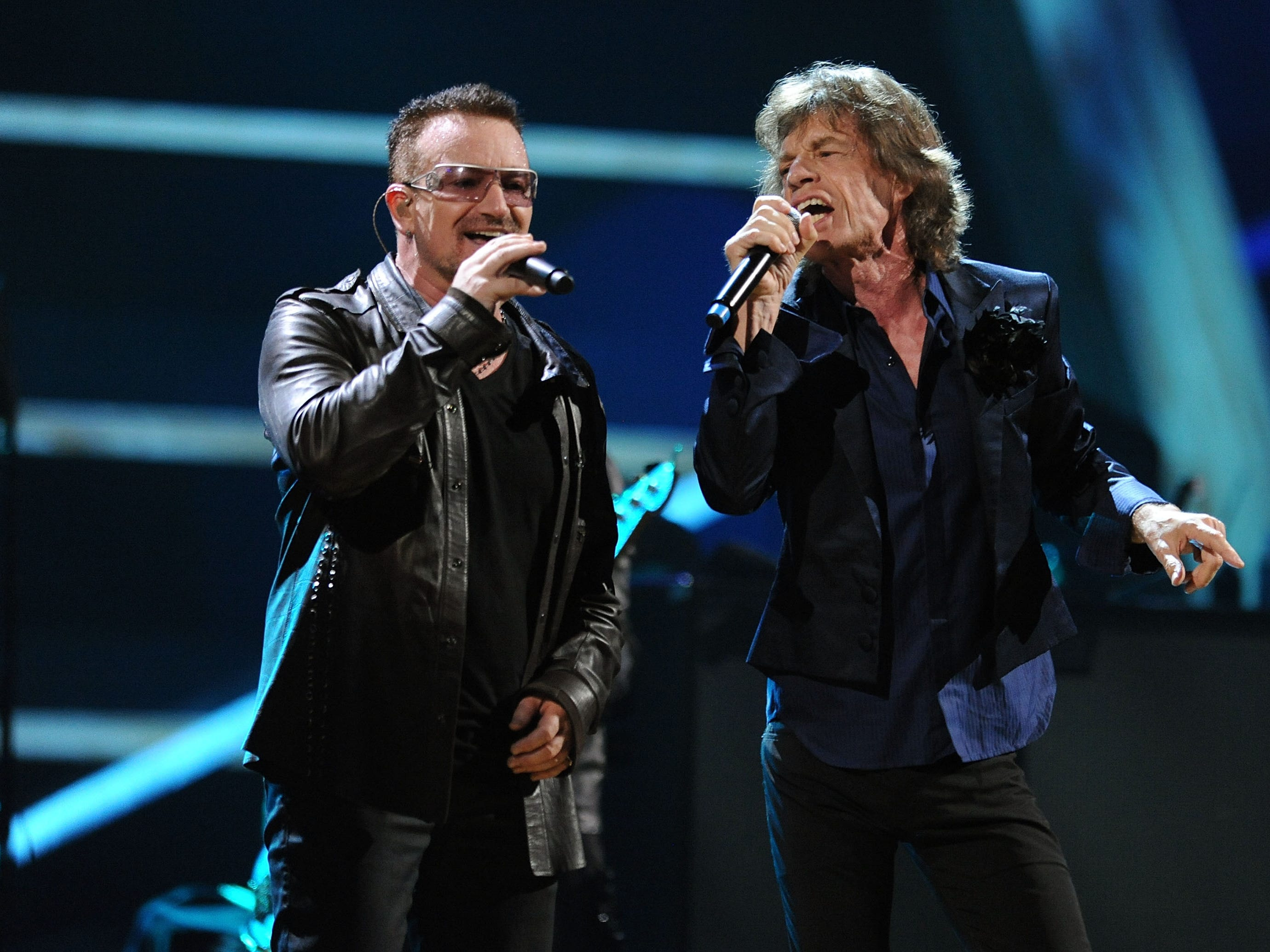 NEW YORK - OCTOBER 30:  Bono of U2 and Mick Jagger of The Rolling Stones perform onstage at the 25th Anniversary Rock & Roll Hall of Fame Concert at Madison Square Garden on October 30, 2009 in New York City.  (Photo by Stephen Lovekin/Getty Images) ORG XMIT: 92486628 GTY ID: 0058784105.jpg