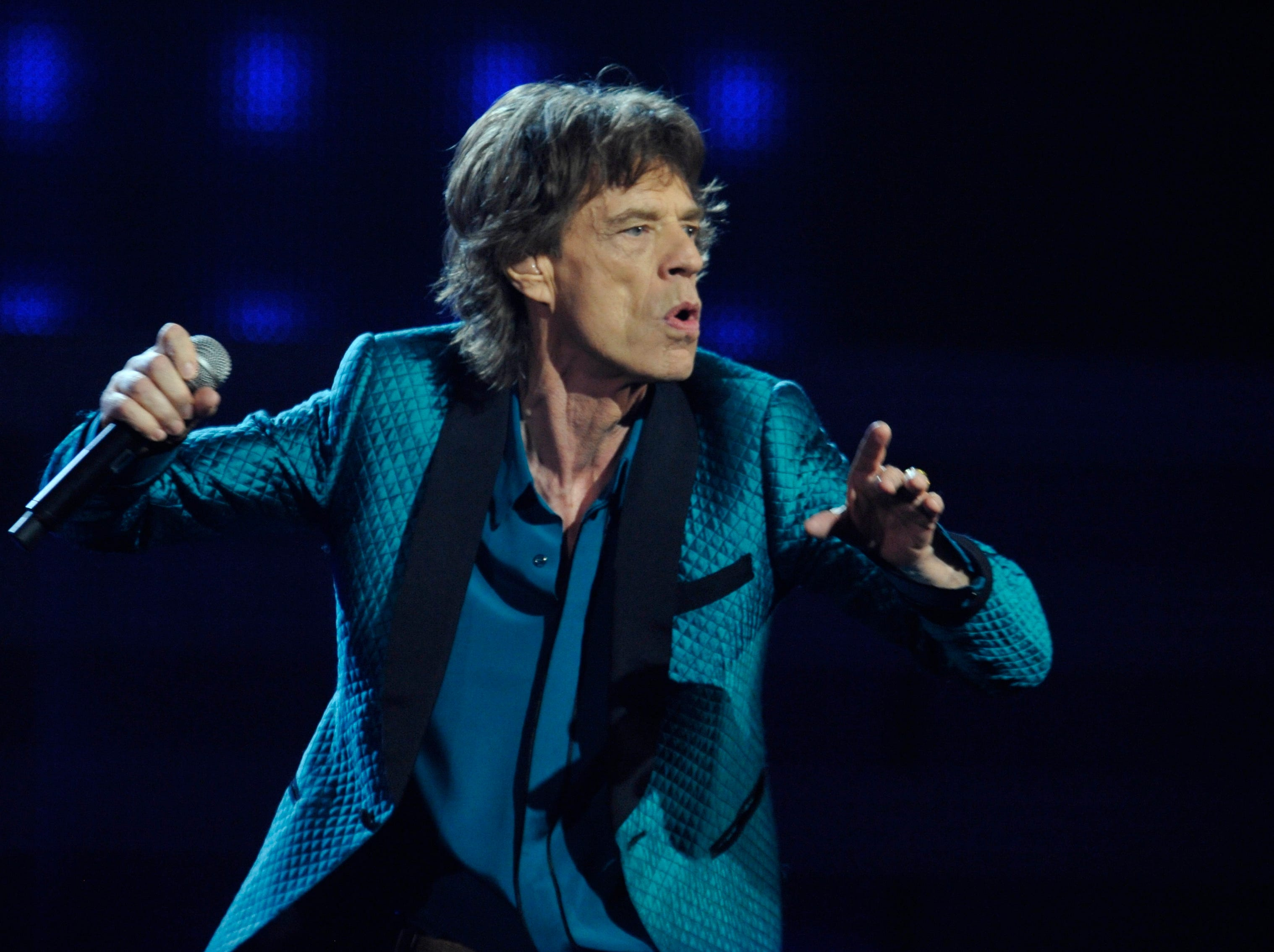 ORG XMIT: RH 39783 2011 GRAMMYS 2/11/2011  2/13/11 7:38:46 PM -- Los Angeles, CA, U.S.A  -- Mick Jagger performs at the 2011 Grammy Awards.--    Photo by Robert Hanashiro, USA TODAY Staff  (Via OlyDrop)