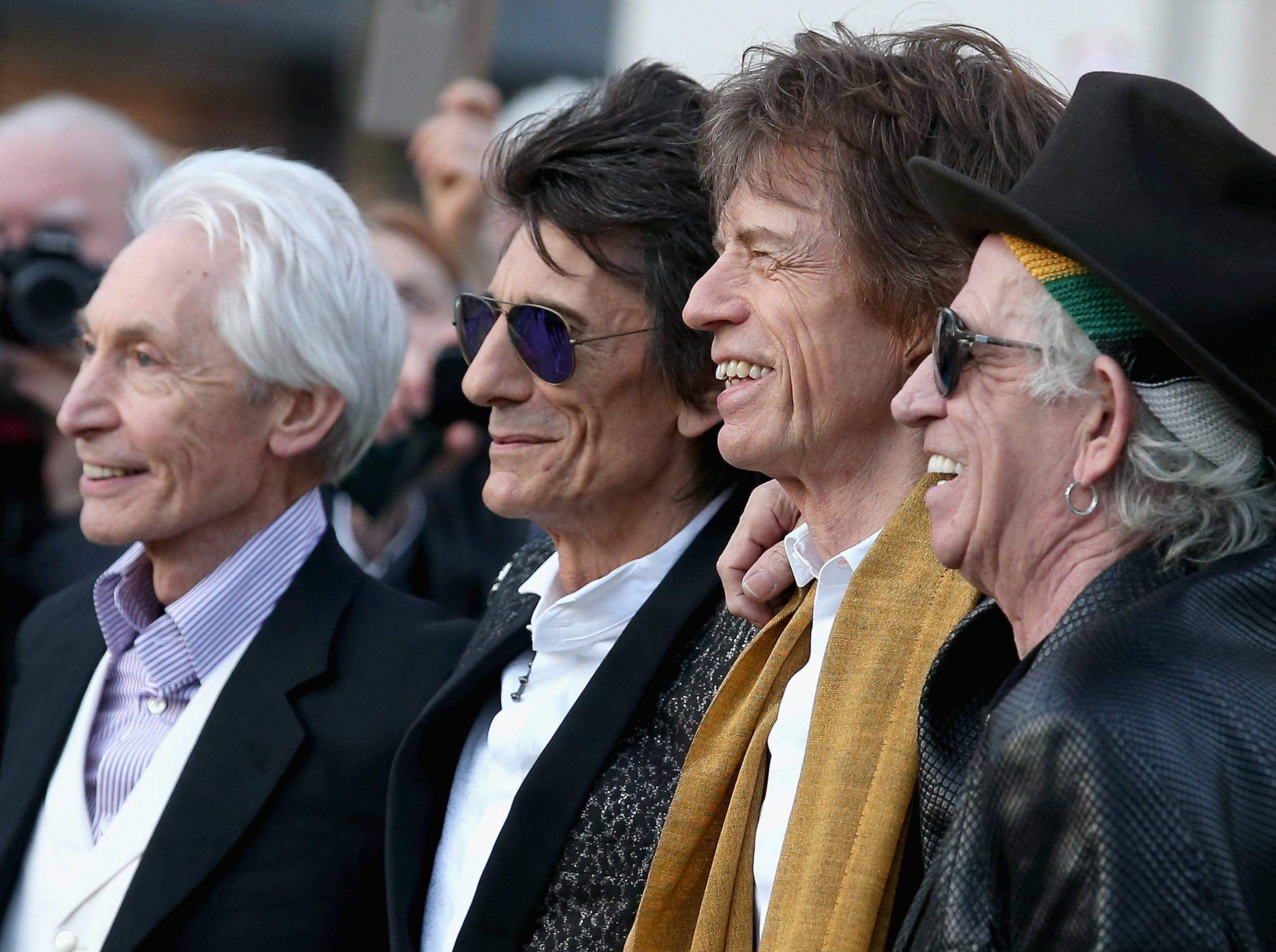 LONDON, ENGLAND - APRIL 04: .Ronnie Wood, Mick Jagger and Keith Richards and Charlie Watts arrive for the private view of 'The Rolling Stones: Exhibitionism' at the Saatchi Gallery on April 4, 2016 in London, England. (Photo by Chris Jackson/Getty Images) ORG XMIT: 625810293 ORIG FILE ID: 519135774