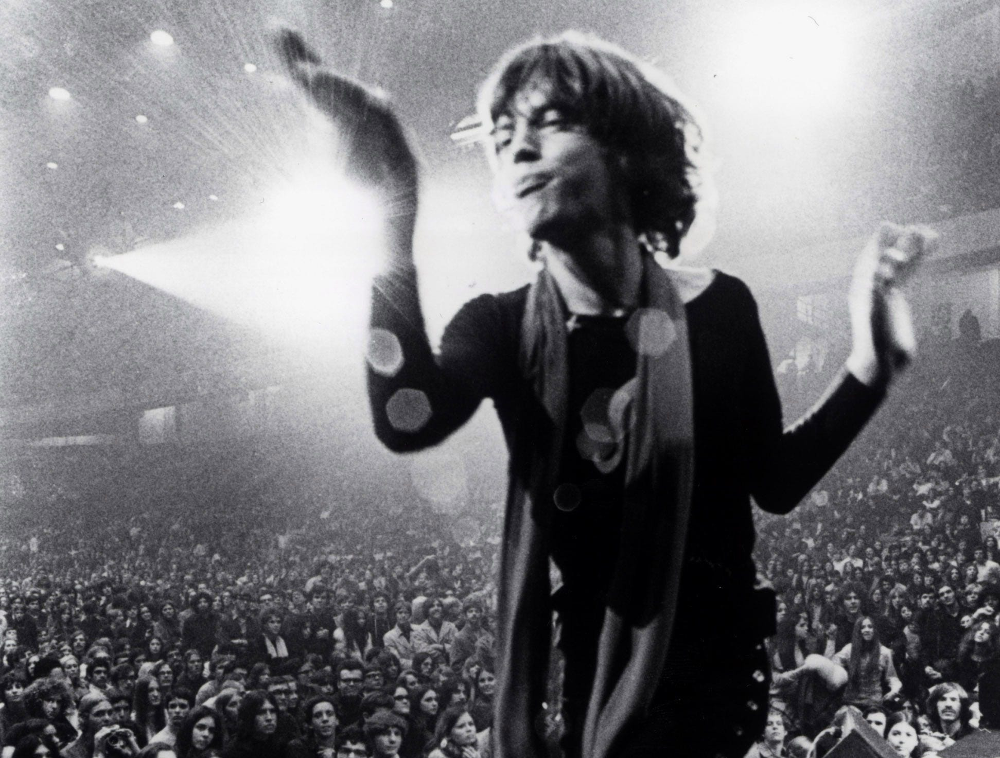 GIMME SHELTER – 1970.  Mick Jagger on stage at one of the last shows of The Rolling Stones' ¤1969 tour in a scene from the motion picture Gimme Shelter. --- DATE TAKEN: rec'd 06/04  No Byline   Criterion        HO      - handout   ORG XMIT: ZX21475
