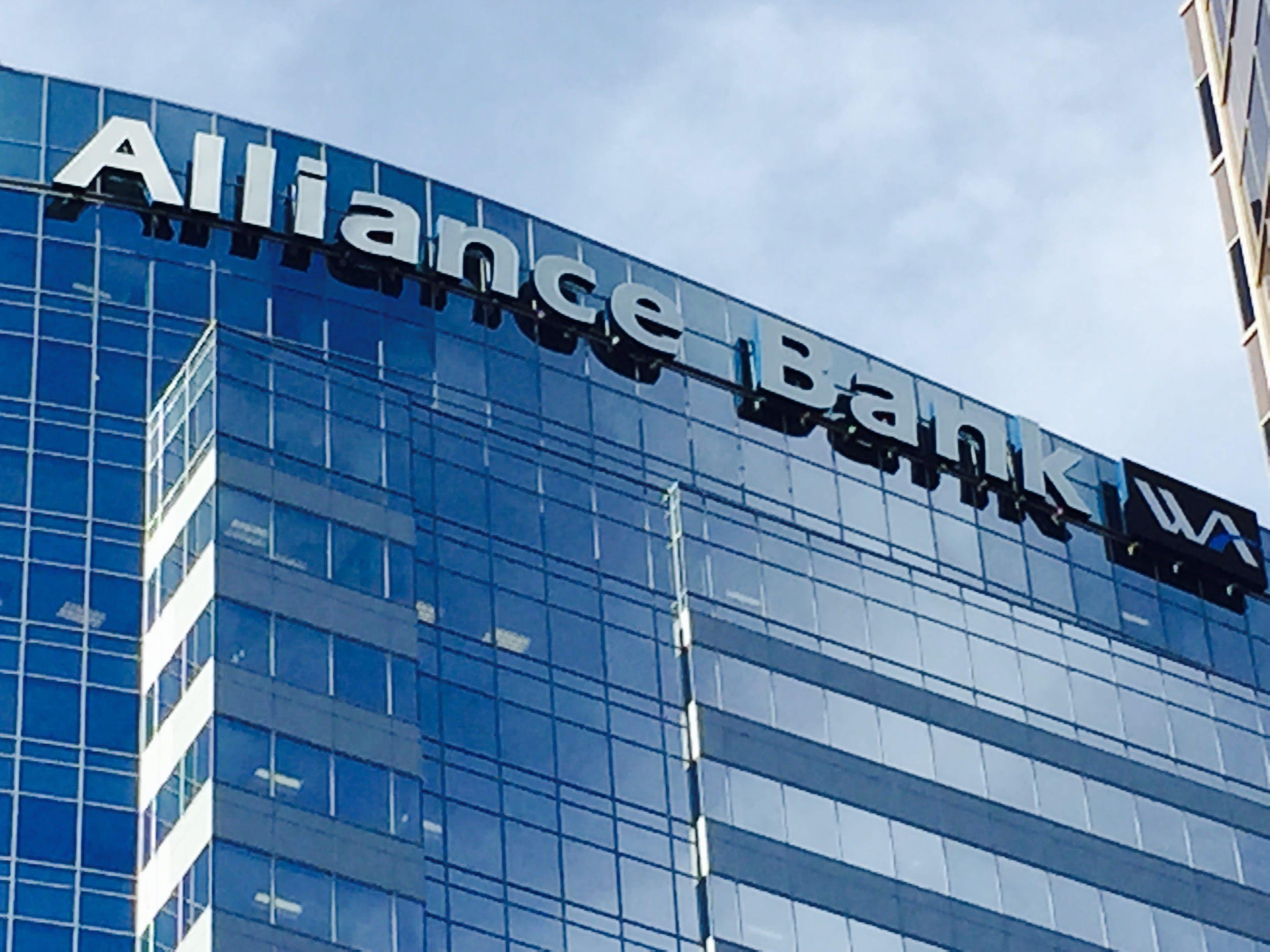 Western Alliance Bancorporation's  Kenneth Vecchione (CEO): Summary compensation: $6,918,693. Adjusted compensation: $1,943,773. TTM profit: $353 million. TTM revenue: $862 million.  2017 stock: 16.2 percent. Capitalization: $6 billion.