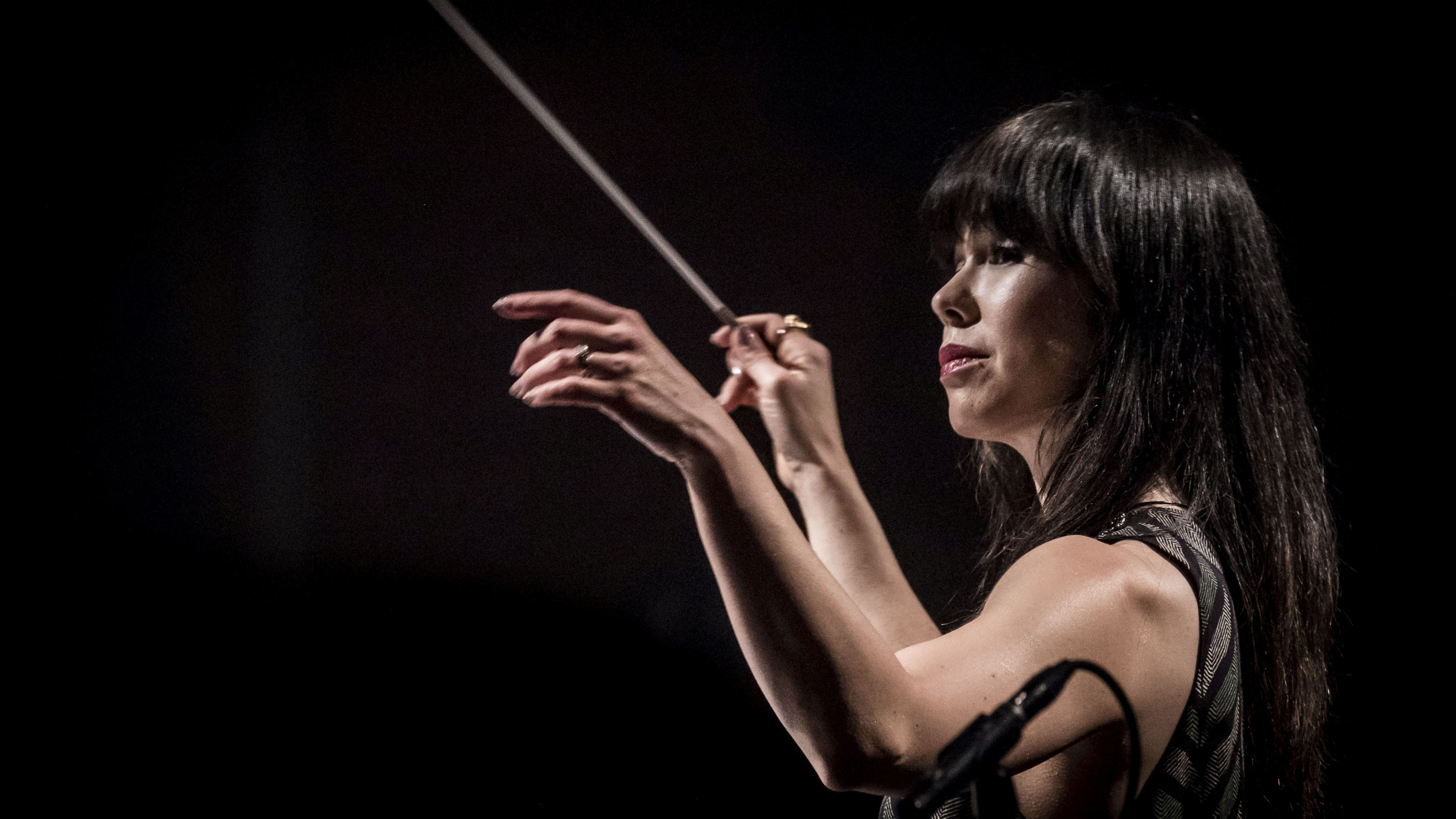 Sarah Hicks conducts the music of Ennio Morricone with the Danish National Symphony Orchestra in January 2018.