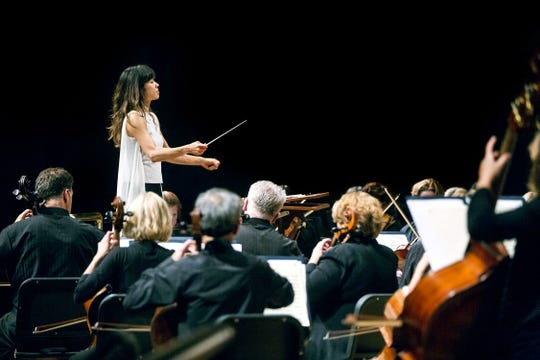 Sarah Hicks conducts the Minnesota Orchestra in 2014.