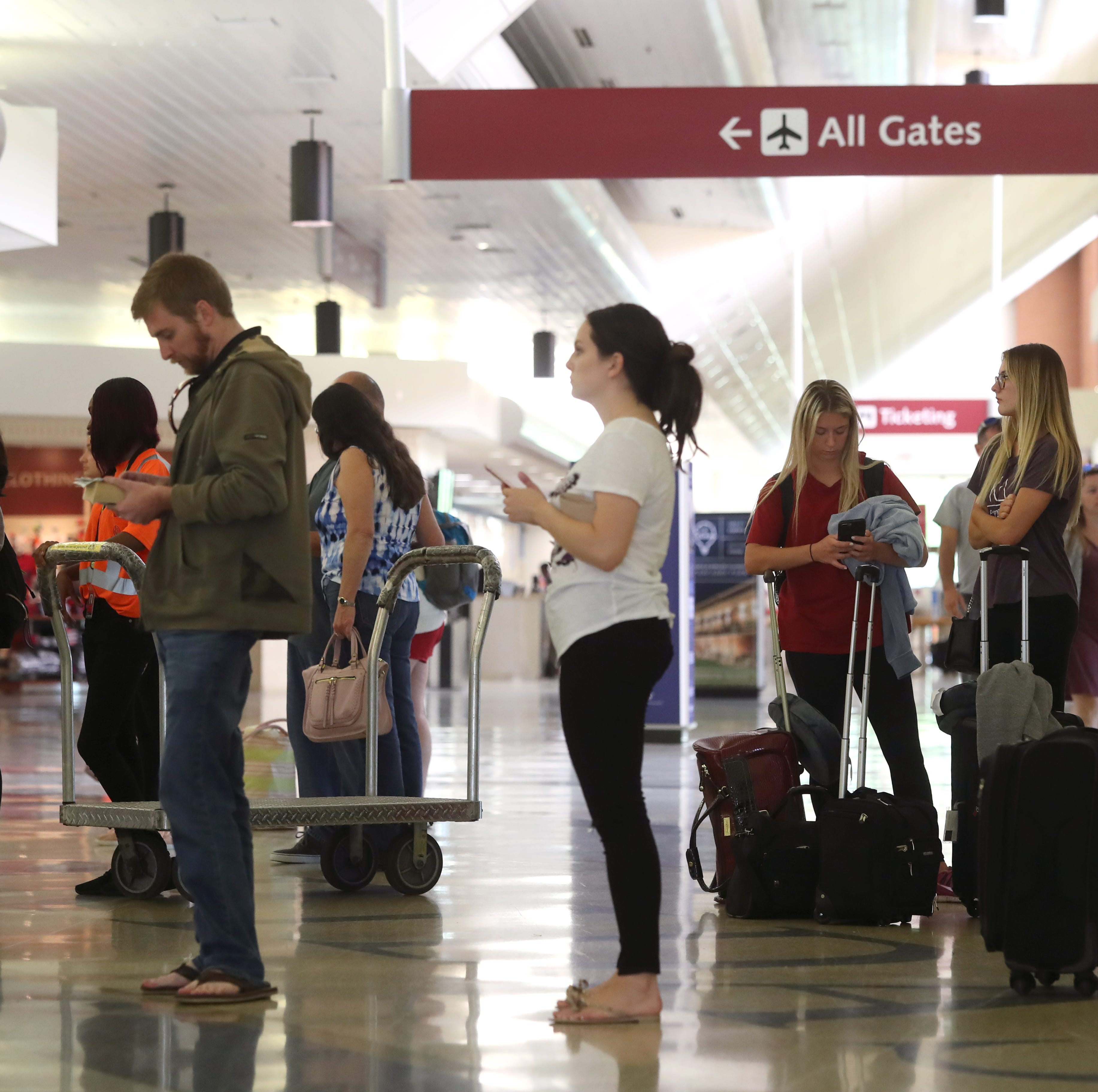 Long lines at TLH airport touch off angry social media posts