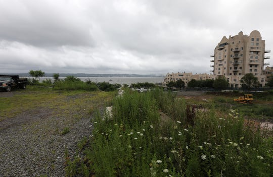The Tidewater development would add 128 condos in three, multi-story buildings on the Hudson River shore at Gedney St. July 25, 2018.