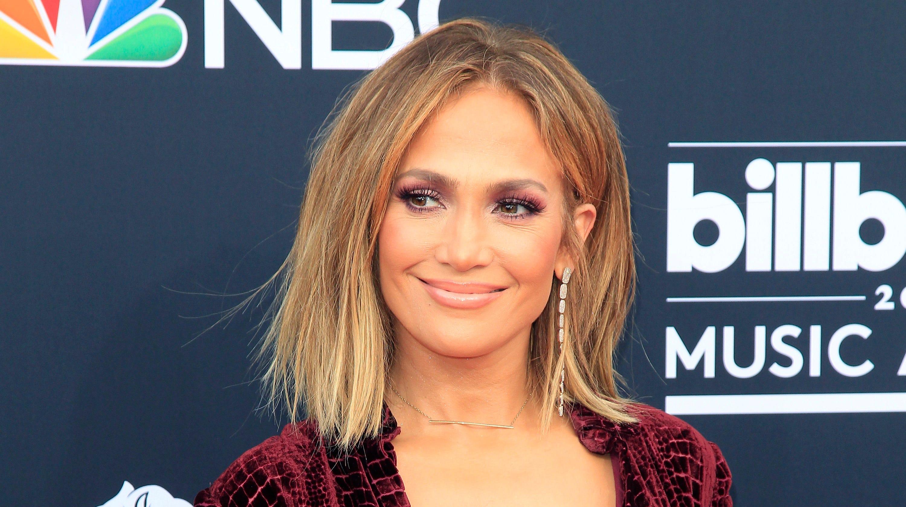Jennifer Lopez: Jennifer Lopez's Abs Are On Amazing Display In Birthday