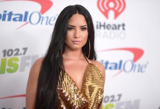 Ap Demi Lovato A Ent File Usa Ca