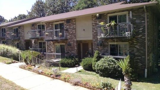 Thousand Oaks Village in Middletown