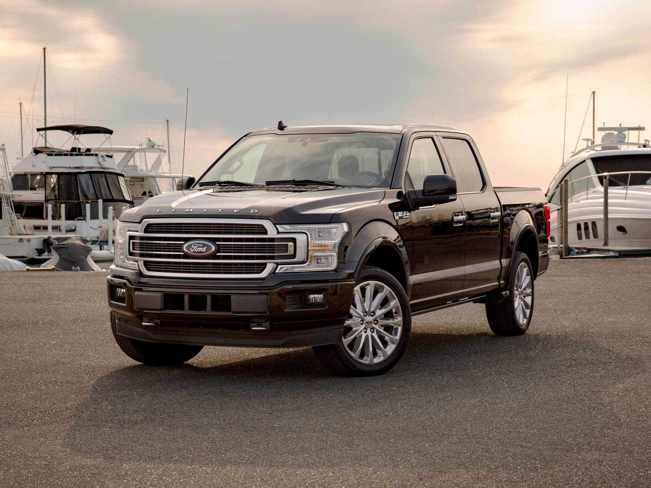 2019 Ford F 150 Limited 01