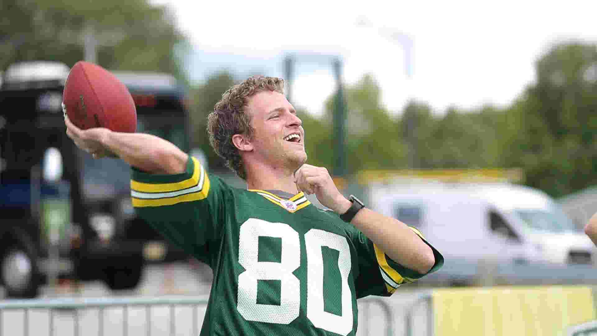 Packers training camp kicks off with football, festivals and fireworks