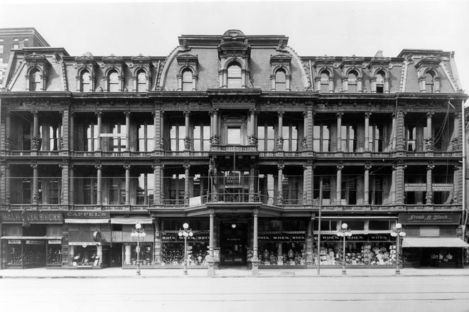 The When store occupied the bottom floor of the When Building. Various offices such as dentists, doctors and schools occupied the other floors of the When Building.