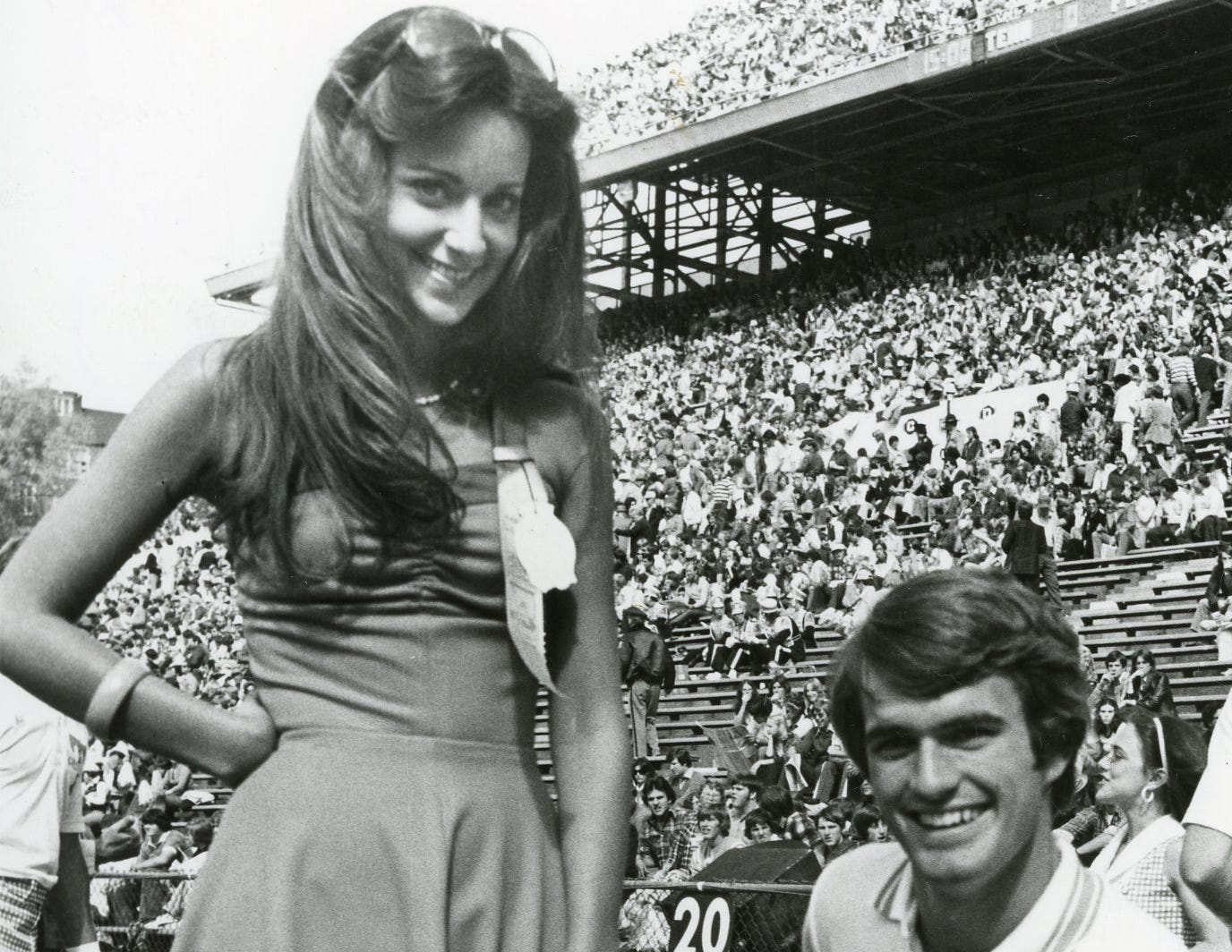 "Pat Gilbert, ""Florida Gater getter"" and UT cheerleader Chuck Lyle, October, 1976."