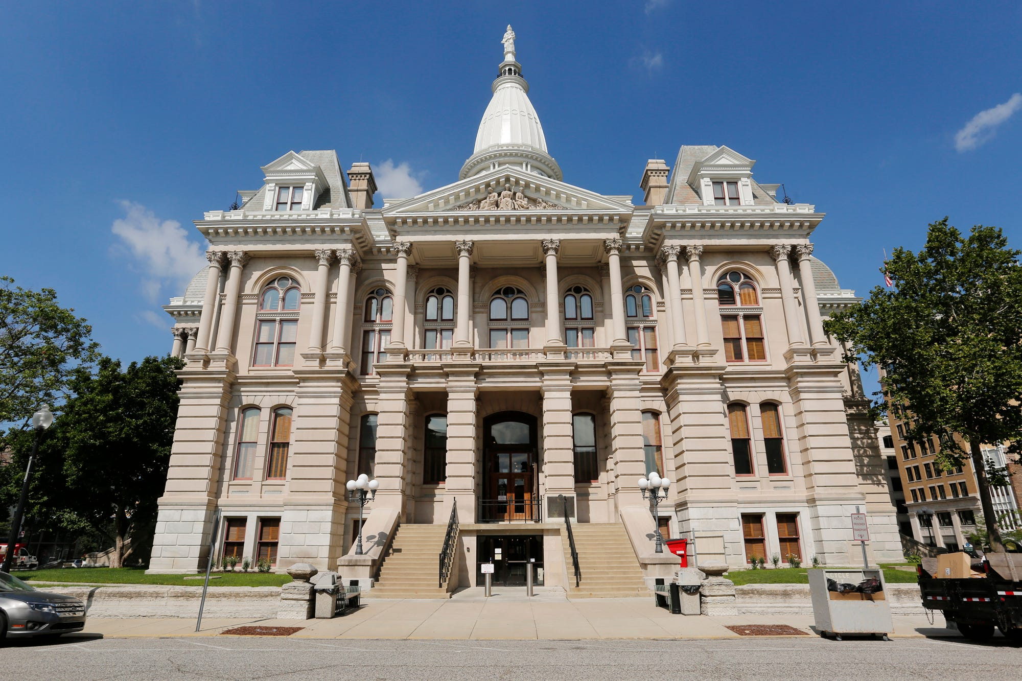 State Courts Move Toward Online Records