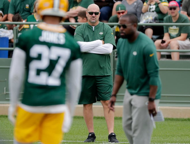 Green Bay Packers defensive coordinator Mike Pettine watches during training camp practice at Ray Nitschke Field on Thursday, July 26, 2018 in Ashwaubenon, Wis. Adam Wesley/USA TODAY NETWORK-Wisconsin