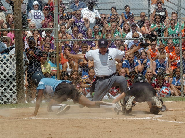 World coming to Roxana for senior Little League softball world series