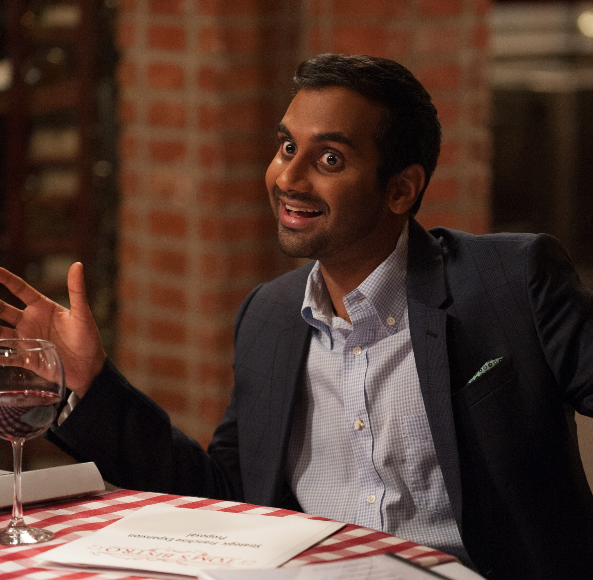 Aziz Ansari in Port Chester and the pizza swastika experiment