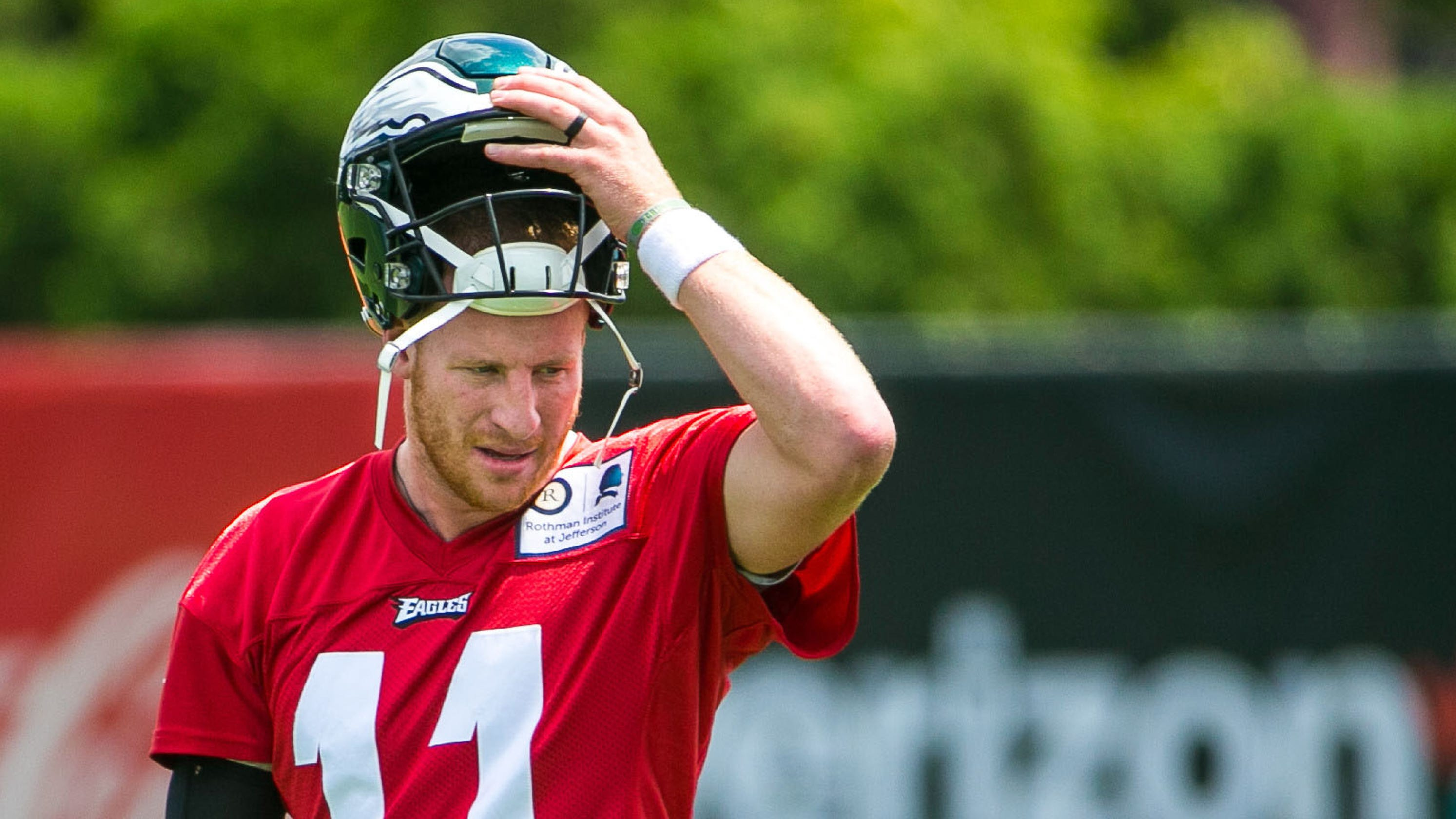 2fdfe8892 Carson Wentz increases workload but still awaits clearance for contact at Eagles  training camp