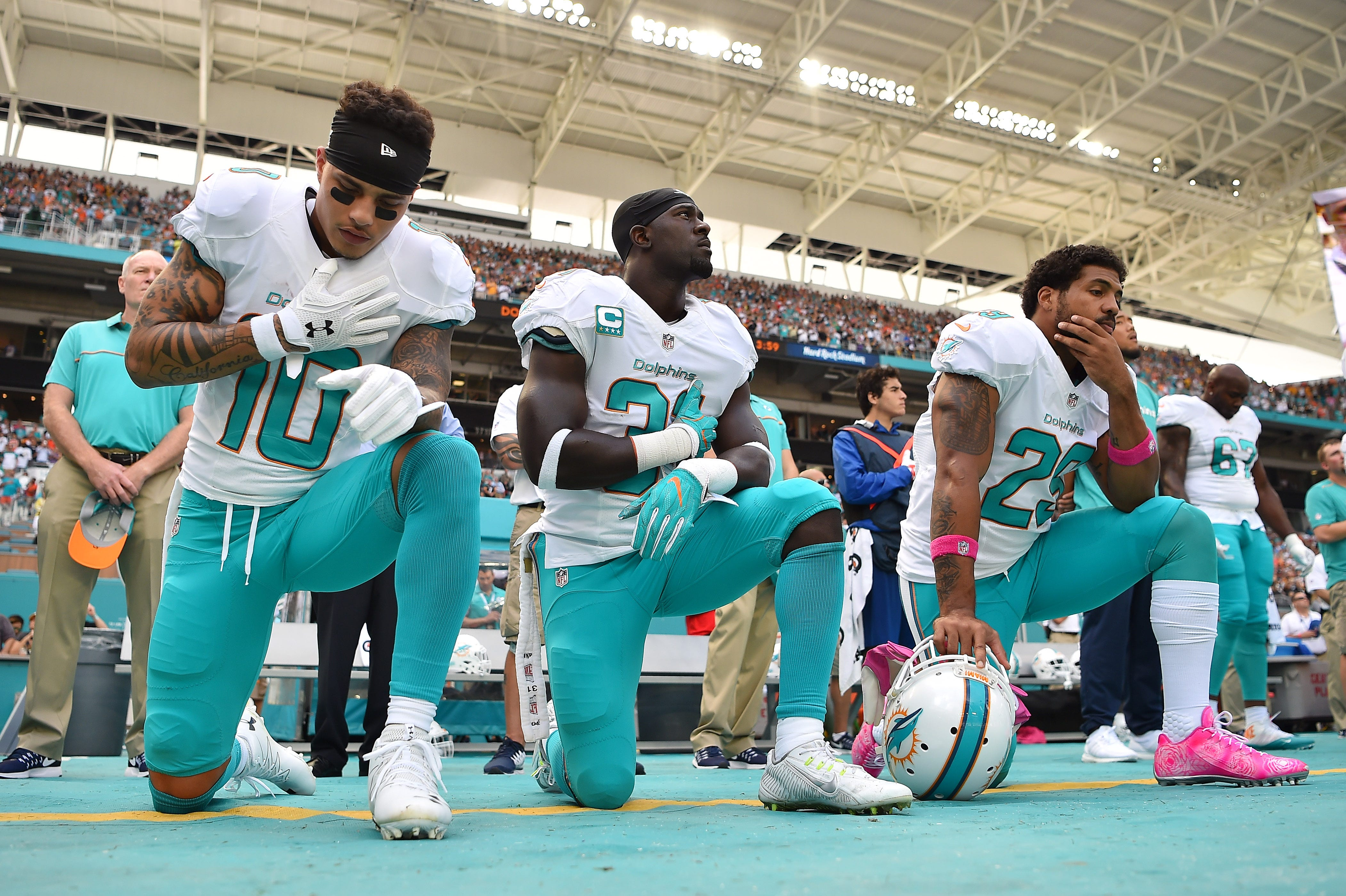 Dolphins' Adam Gase: 'Good luck' trying to suspend players for protests during anthem