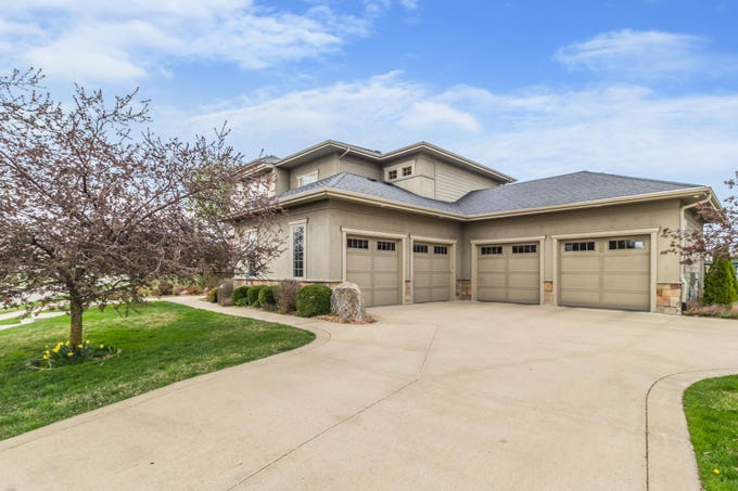 MansionMonday: Pleasant Hill home features amazing theater room