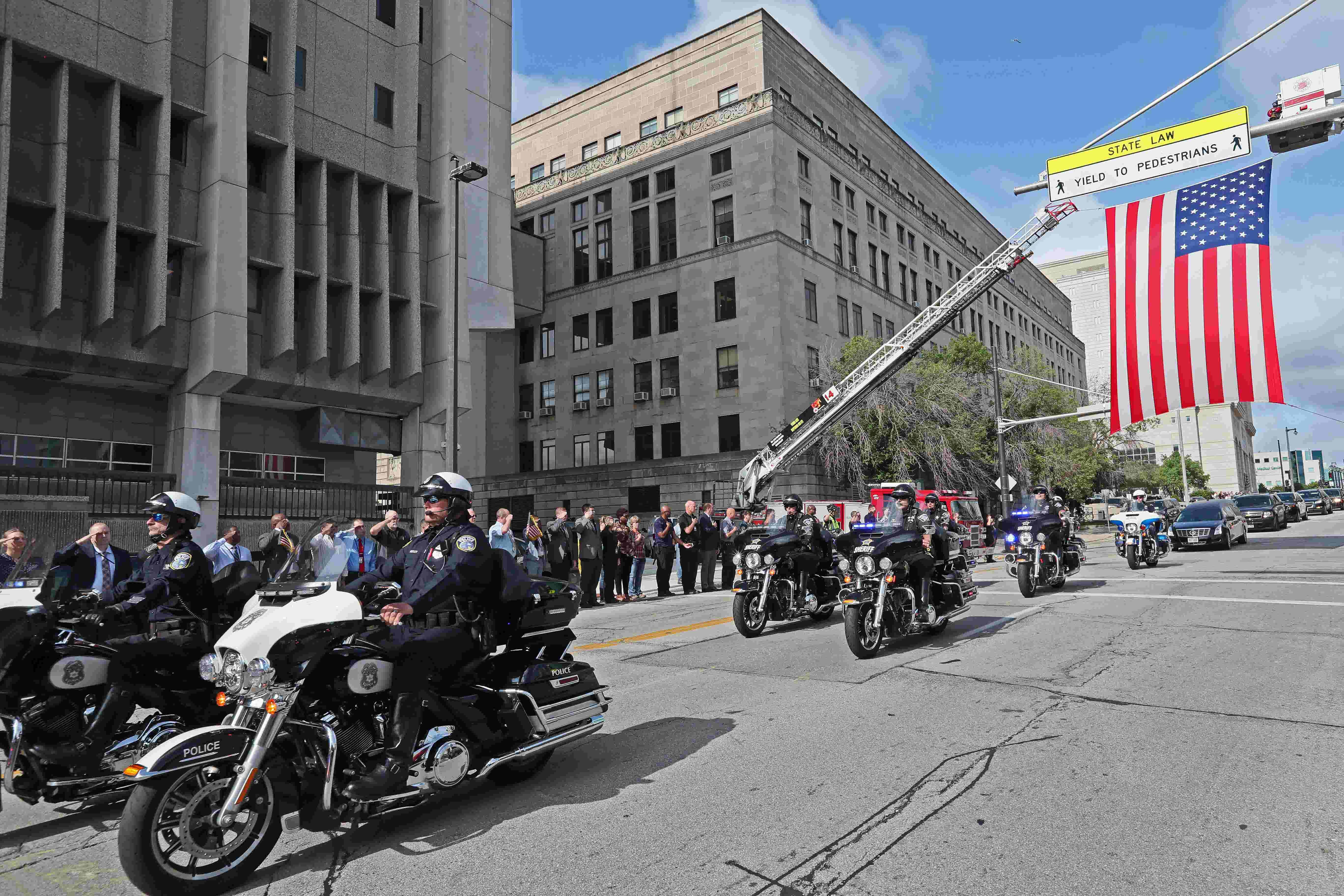 Milwaukee police officer michael j michalski funeral arrangements funeral services set for fallen milwaukee police officer michael j michalski izmirmasajfo