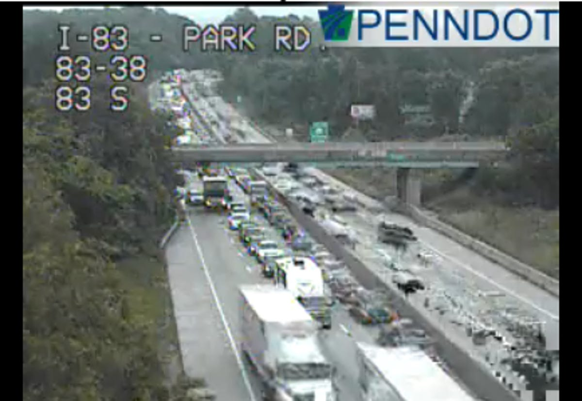 Multi-vehicle crash reported on I-83 in Fairview Township cleared