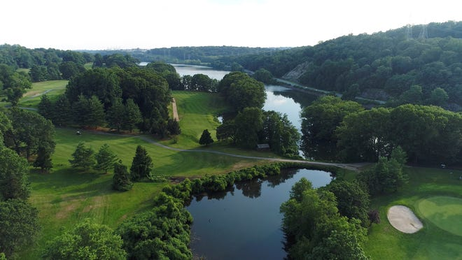 Sprain Lake Golf Course in Yonkers will reopen Saturday following a brief hiatus do to the Coronavirus pandemic. Maple Moor in White Plains and Saxon Woods in Scarsdale remain closed while Westchester County officials monitor adherence to social distancing guidelines.