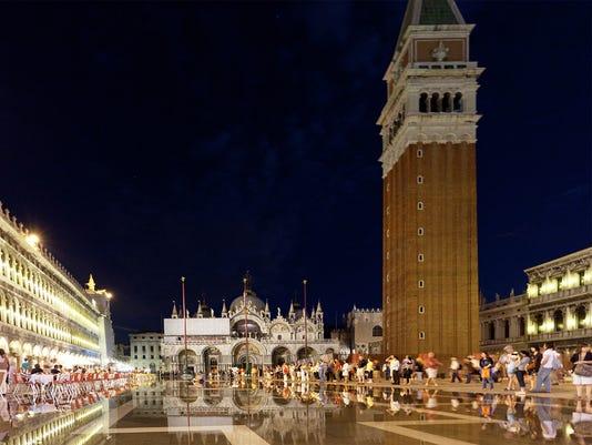 Italy Venice St Marks Square 051018 Az