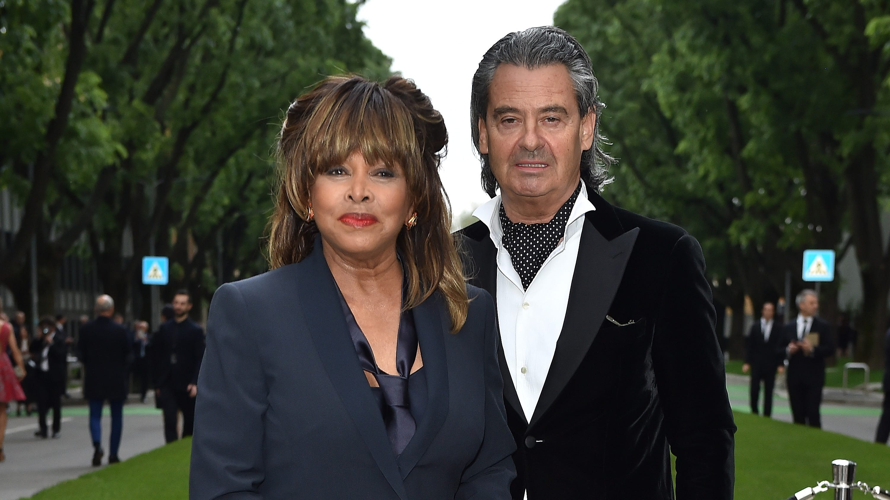 Tina Turner Scatters Son S Ashes In The Pacific After Apparent Suicide