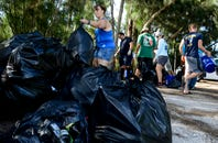 Volunteers Clean up Kelly Park East