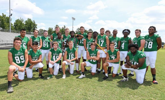 Easley's seniors will lead the Green Wave in Region 1-AAAAA, which has expanded from five teams to eight.