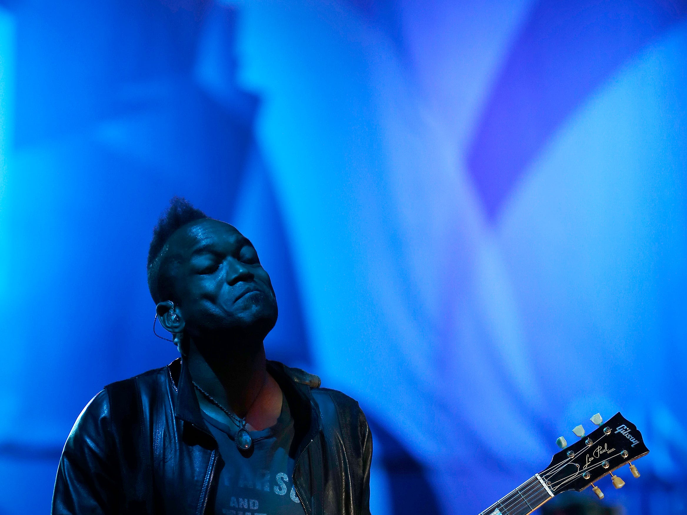 """Captain"" Kirk Douglas of The Roots performs during the Cincinnati Music Festival."