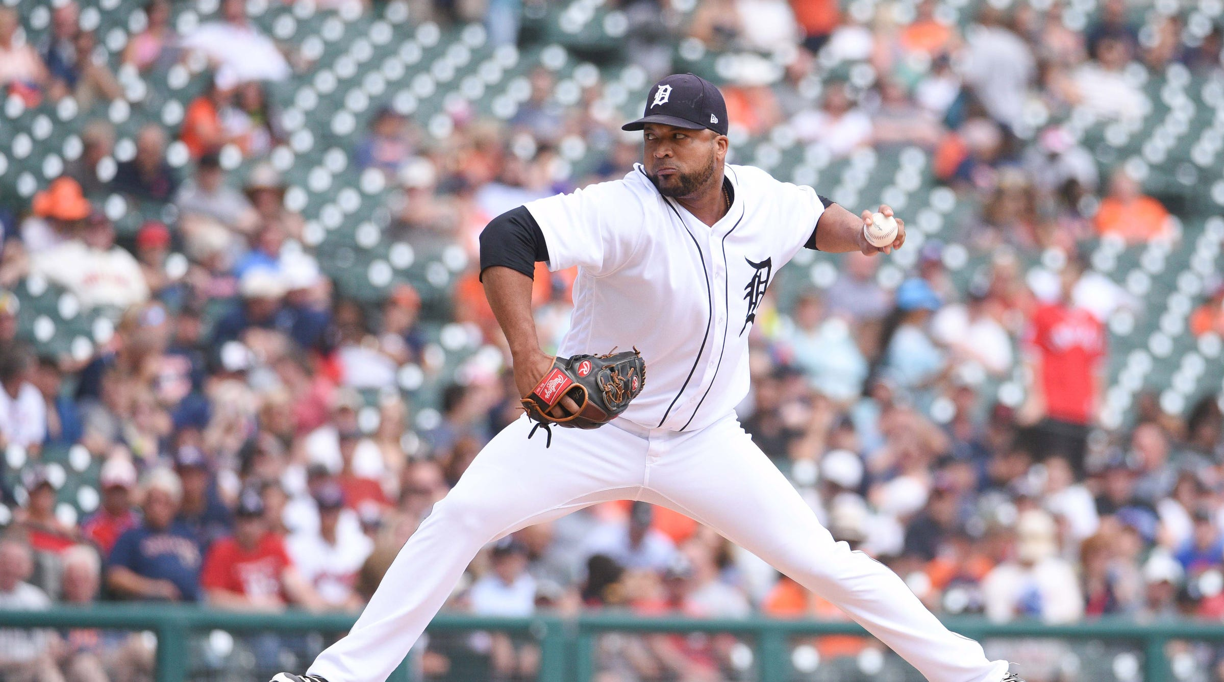 Detroit Tigers lose to Cleveland Indians, showcase Francisco Liriano