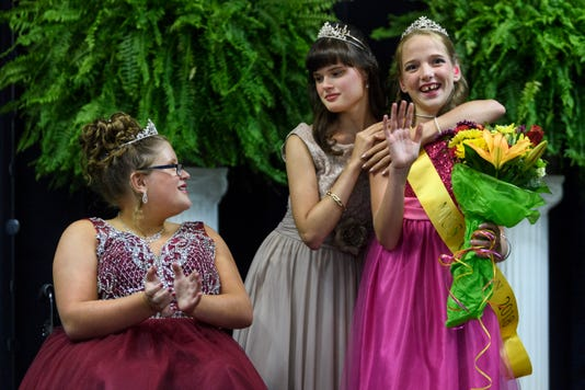 14 Miss Golden Pageant