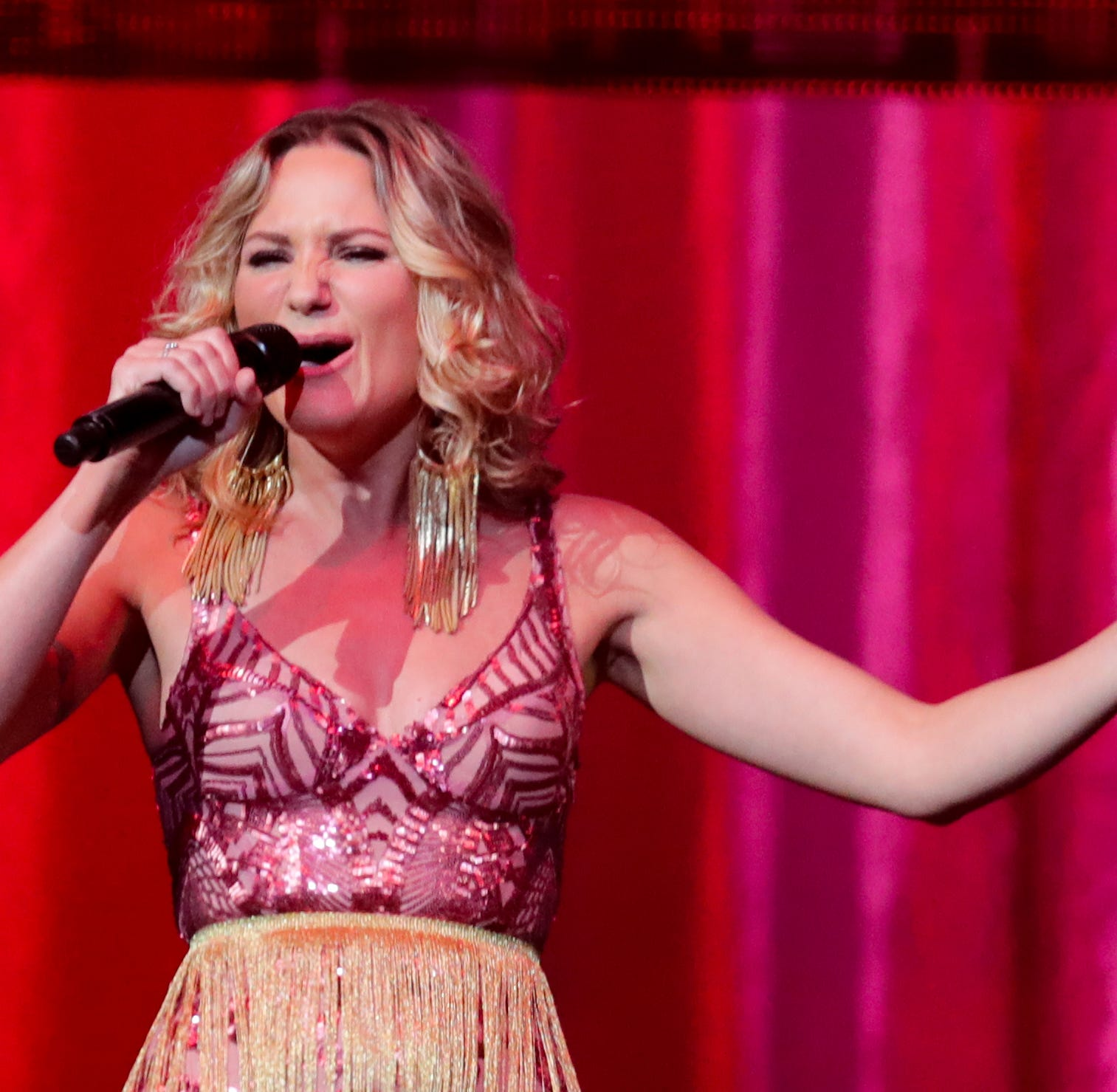 Sugarland superstar will sing national anthem at the 145th Kentucky Derby