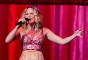 Sugarland's Jennifer Nettles, set to sing the national anthem at the 2019 Kentucky Derby, entertains the crowd at the KFC Yum Center in 2018.