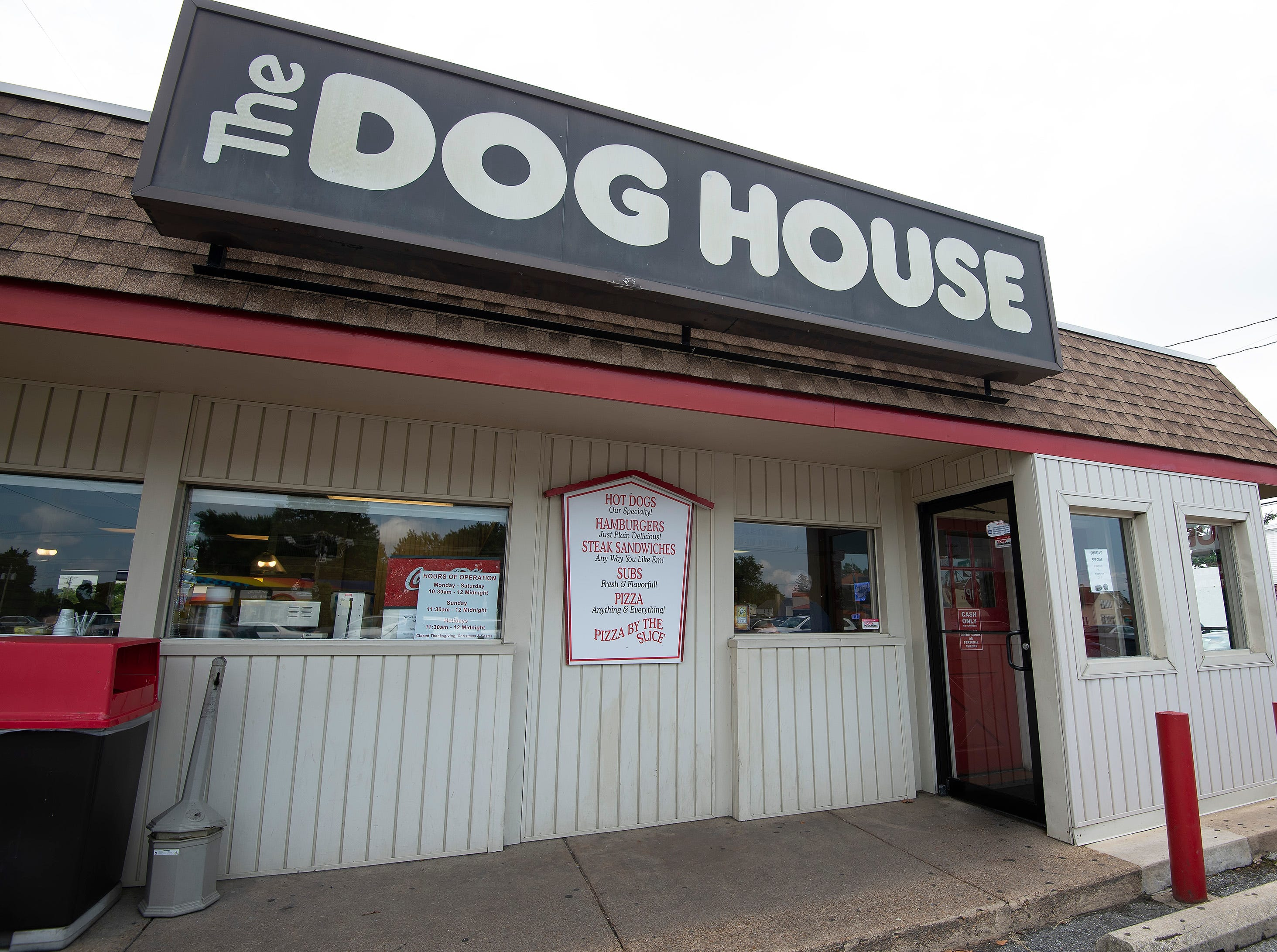 Eat at the Dog House in Wilmington, or another classic Delaware restaurant. www.delawareonline.com/story/life/food/2018/08/01/restaurants-classics-delaware-dining/791705002/