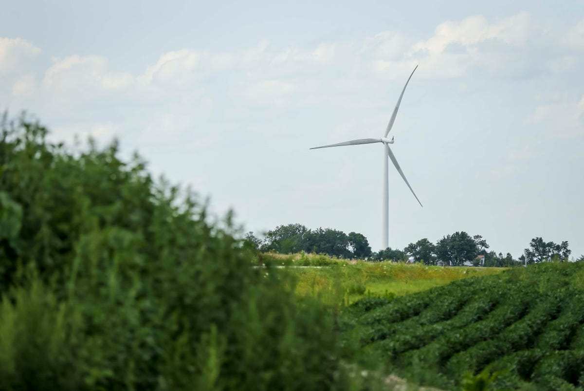 Iowa Supreme Court rejects effort to block proposed wind farm