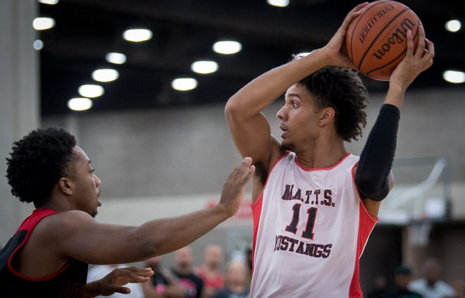 Dontaie Allen plays during a game at the Amateur Athletic Union basketball tournament at the Kentucky Expo Center in Louisville, Ky, July 28, 2018.