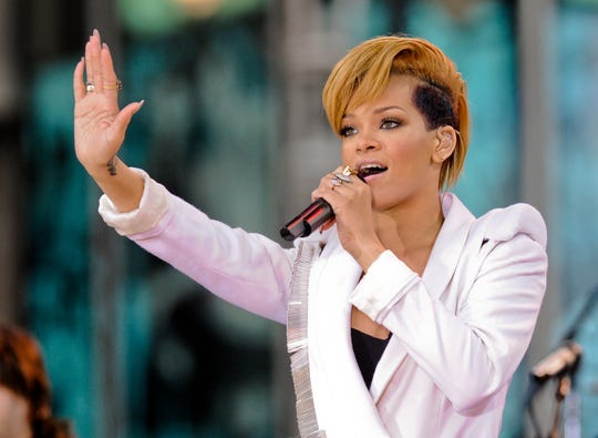 Rihanna performs on ABC's 'Good Morning America' in Times Square on Nov. 24, 2009.