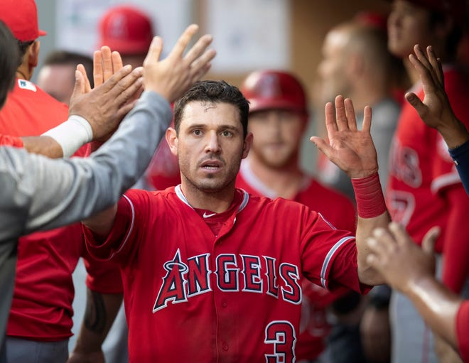 The Boston Red Sox have acquired Ian Kinsler from the Los Angeles Angels to fill in for injured second baseman Dustin Pedroia.