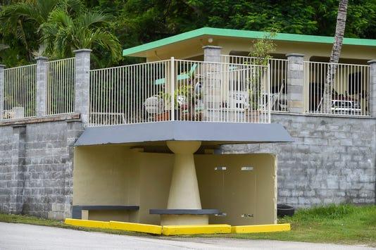 Deck Bus Stop 001