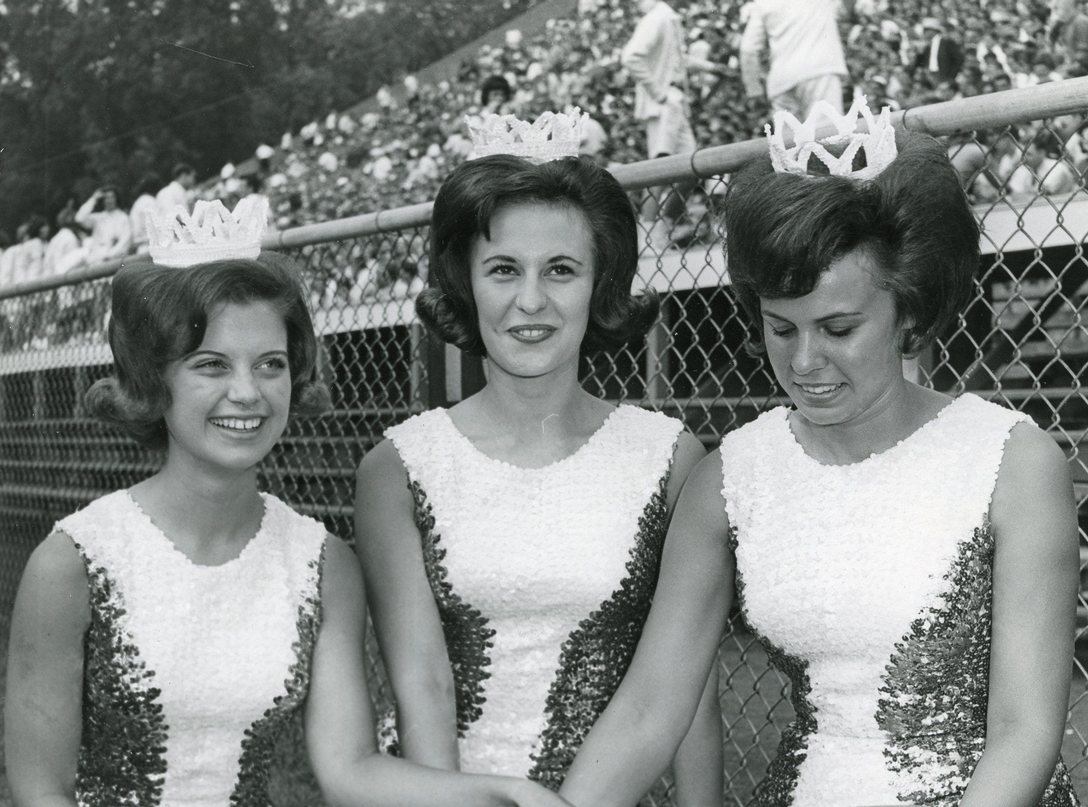 UT majorettes with Smokey III before the September, 1964 UT game vs. Chattanooga. Pictured are Judy Phillips, Elaine White and Deede Wiggins.