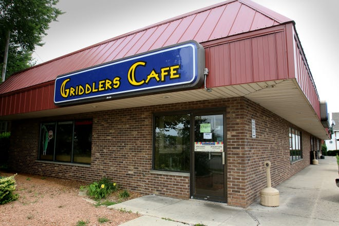 Griddlers Cafe at 211 N. Chicago Ave. in South Milwaukee has closed.