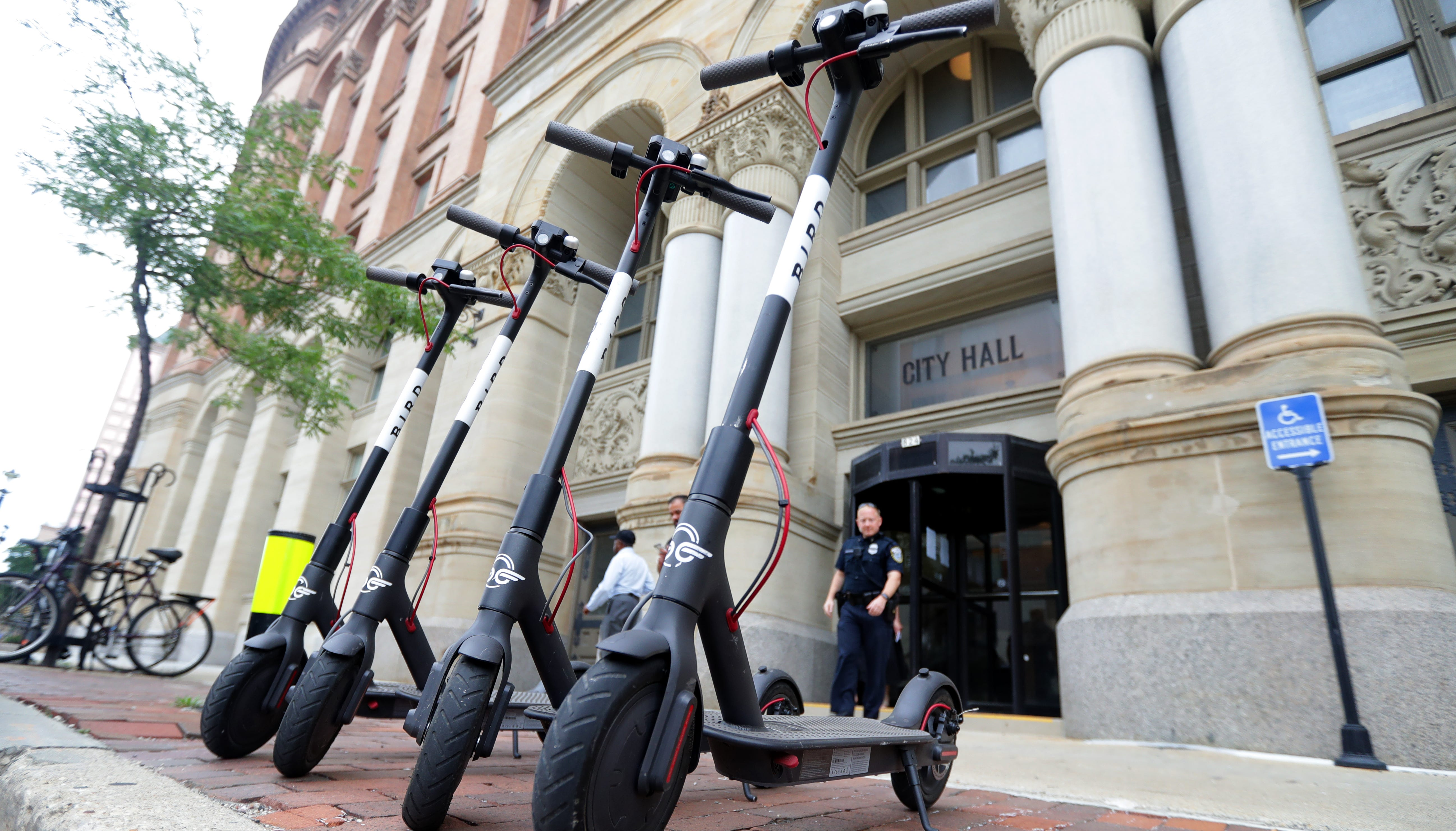 Bird Temporarily Removes Scooters Works With City Of Milwaukee