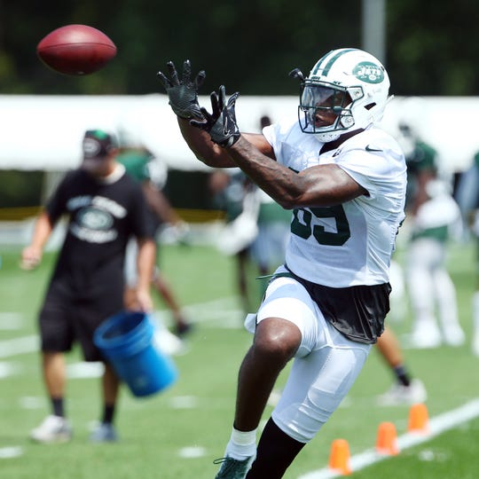 New York Jets TE Chris Herndon pulls in a pass on opening day of training camp at the Atlantic Health Training Center in Florham Park. July 28, 2018. Morristown, NJ. (Bob Karp/@photopup)